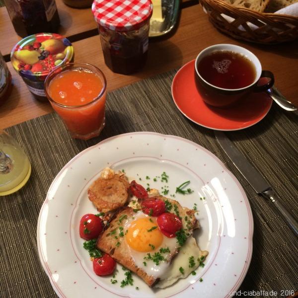 Sonntagsfrühstück mit Moonstruck-Eiern