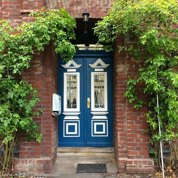 blaue Haustüre