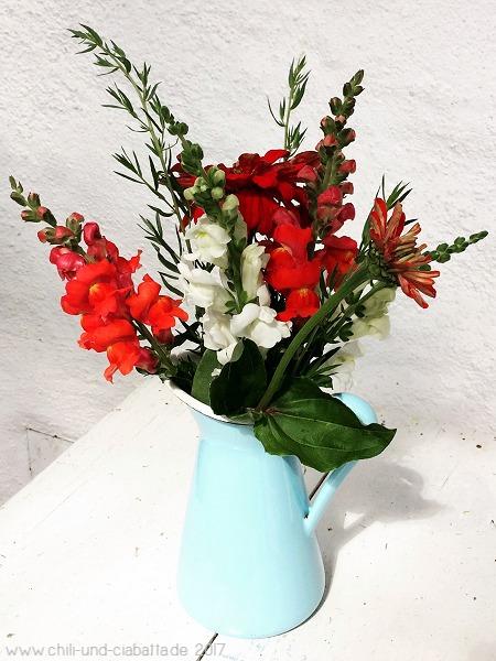 Blumenstrauß aus dem Garten