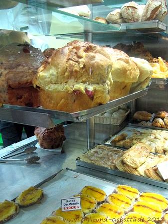 Brot mit Schinkenstückchen
