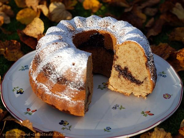 Napfkuchen mit Kakao-Walnuss-Fülle