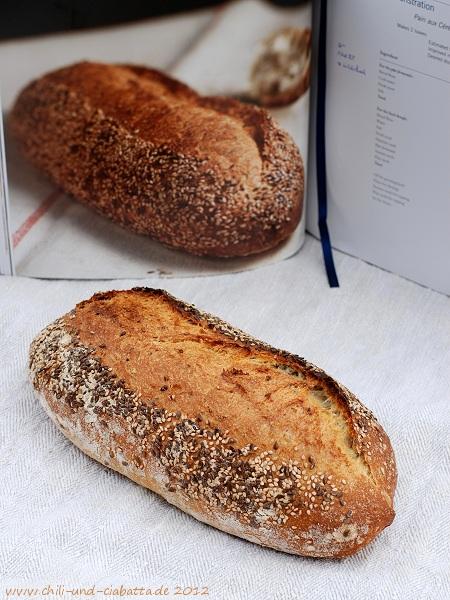 Brot mit Sesam und Leinsamen