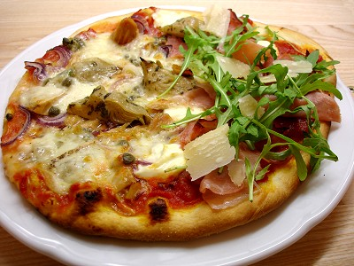 Chili und Ciabatta: Pizza aus dem Elektro-Steinbackofen