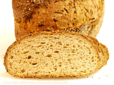 Sellerie-Sesam-Brot, aufgeschnitten