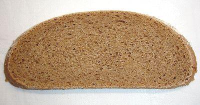 Weizenvollkornbrot, aufgeschnitten