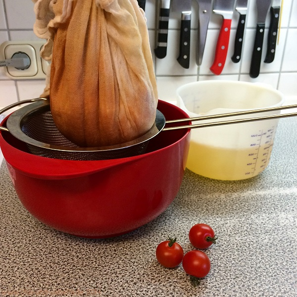 Weißer Tomatenfond
