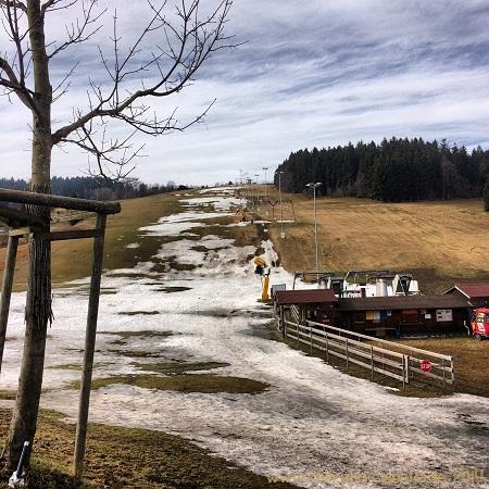 Verwaister Skilift Grün-Maibrunn