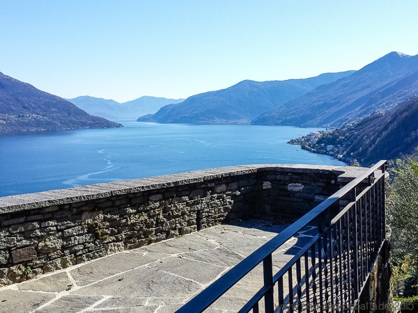 Blick von Ronco auf den Lago Maggiore
