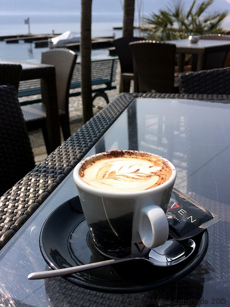 Cappuccino in der Seven Sea Lounge