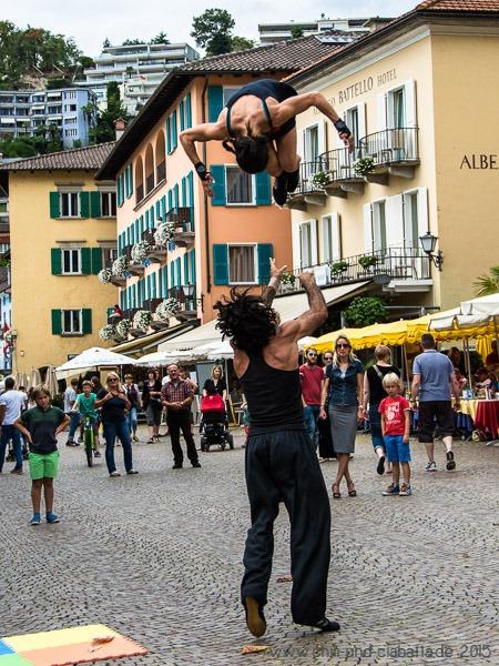 Straßenartisten auf der Piazza