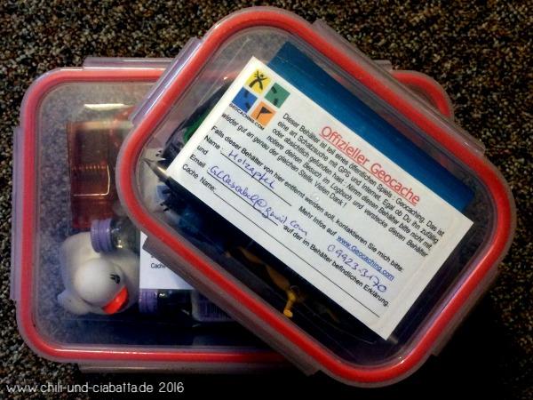 2 Dosen gepackt für neue Geocaches