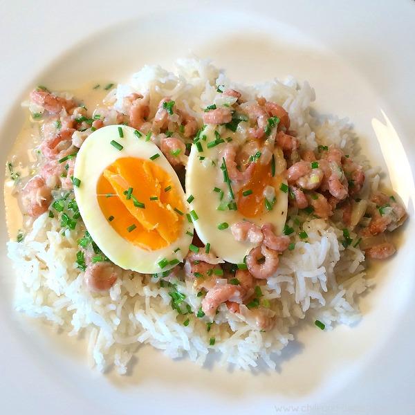 Reis mit Eiern und Krabbensauce