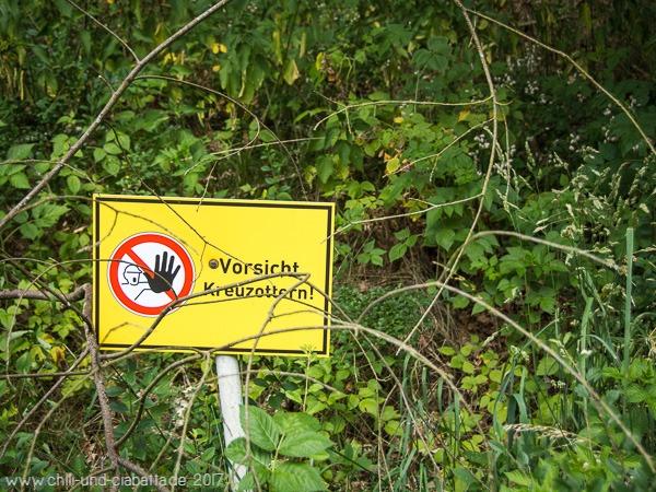 Kreuzotter-Warnung