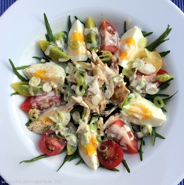 Tomaten-Eiersalat mit Hähnchen