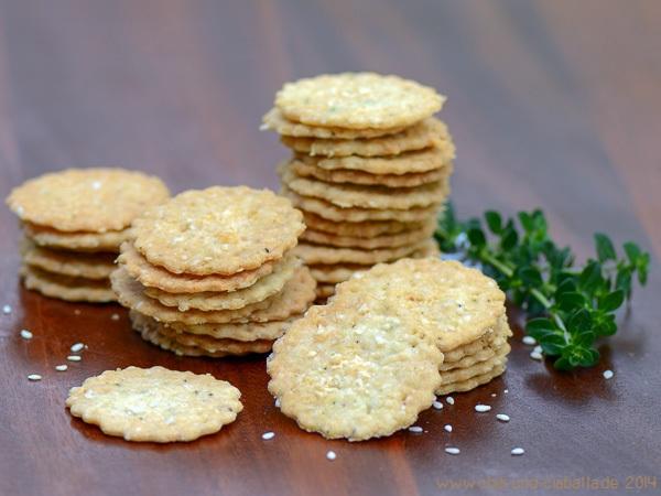 Zitronen-Thymian-Sesam-Butter-Cracker