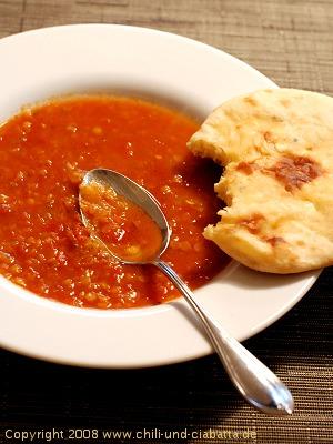 khachapuri with tomato soup