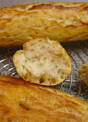 gebrochenes Brot