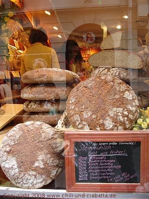 Laden mit Brot in Würzburg